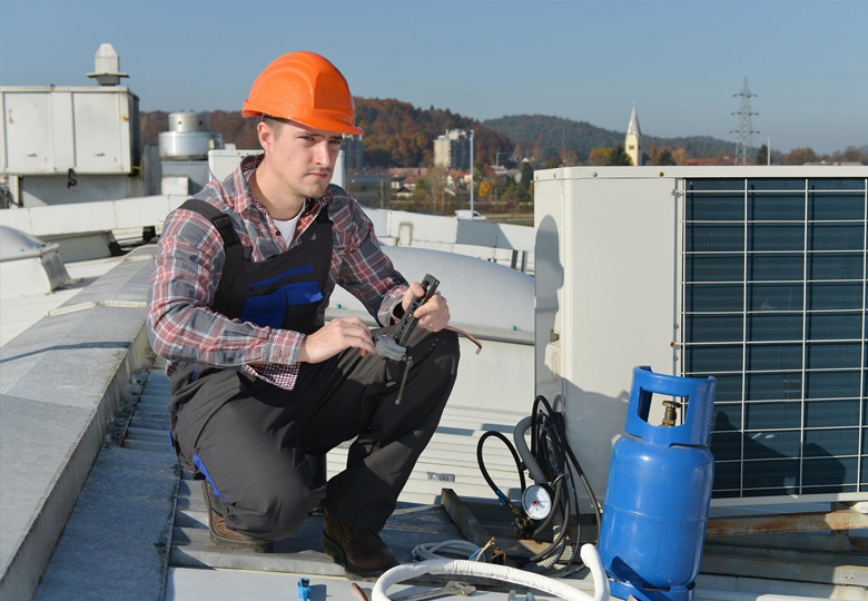 WHAT DOES AN HVAC CONTRACTOR DO?